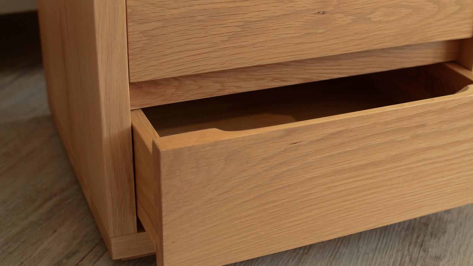 oak 2 drawer shelf table detail