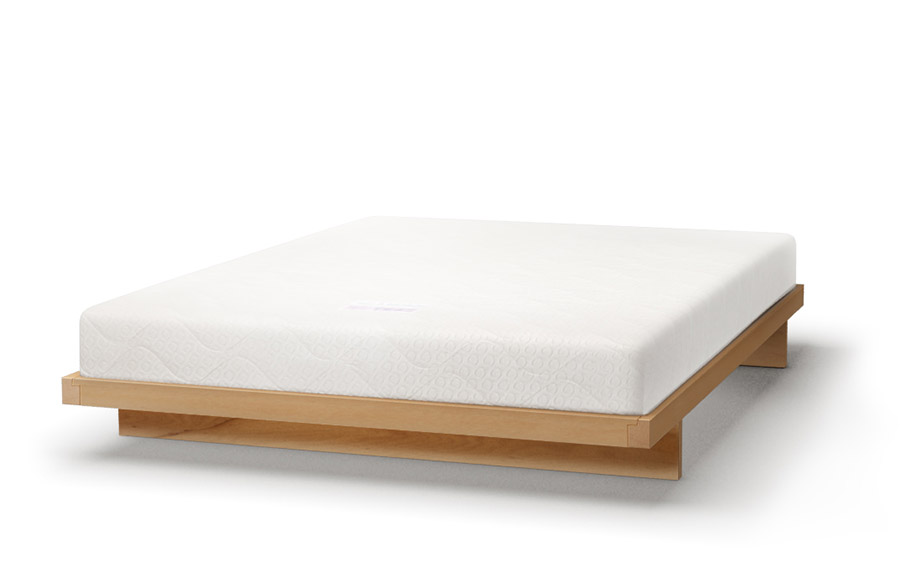 Kumo bed in beech