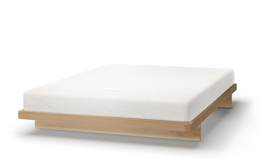 Kumo bed in maple