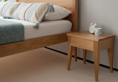 Cochin bed with matching Cochin table