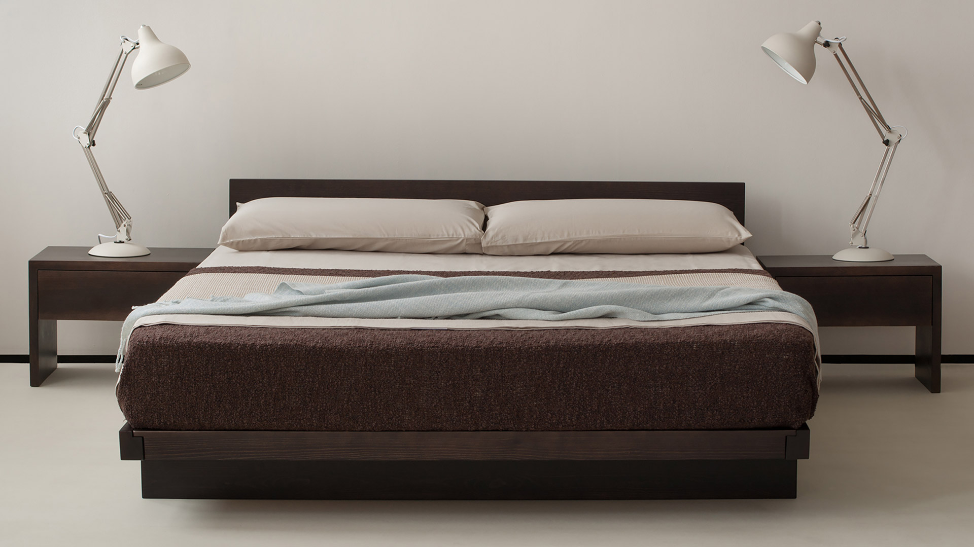 Kumo bed with Kyoto drawer tables