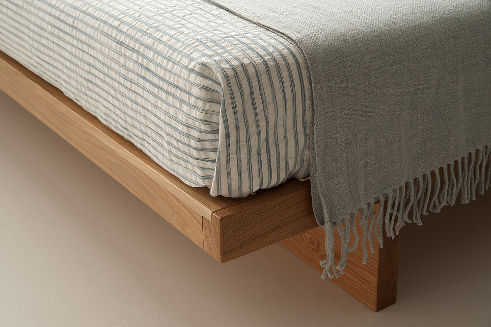 Kyoto low platform bed