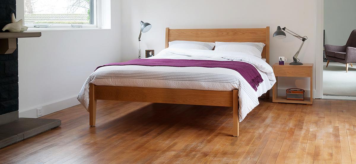 classic oak bed - zanskar