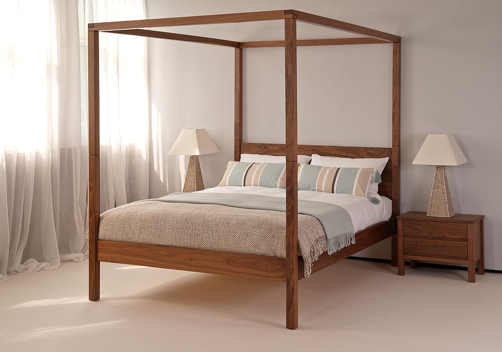 4 poster bed uk