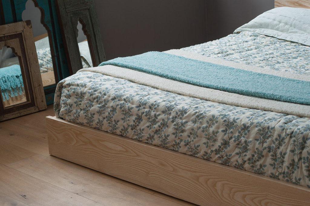 Kulu wooden platform bed
