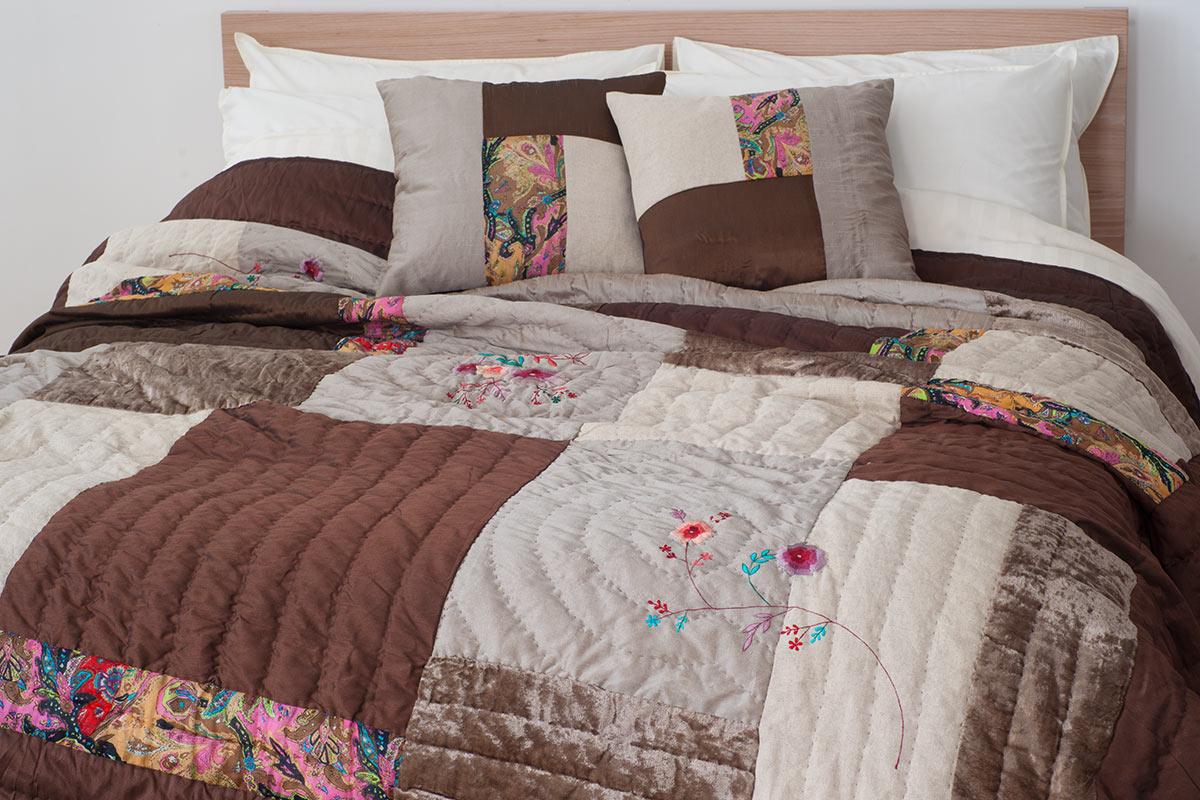 Wild Rose patchwork Indian Quilt
