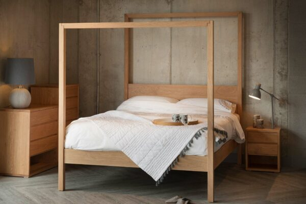 The Oasis Oak contemporary 4-poster bed made from solid wood and in a range of bed sizes.