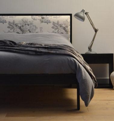 linen bedding on black shetland