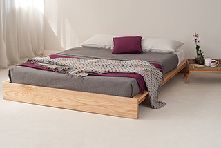 Ki bed with grey and berry colours