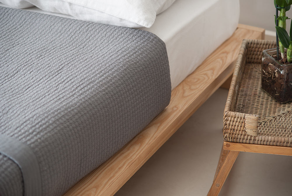 ki wooden bed side detail