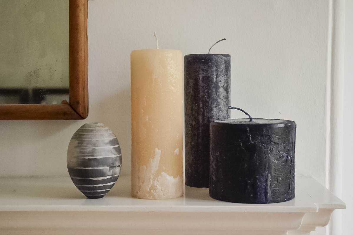 melt-candle-amber-and-black