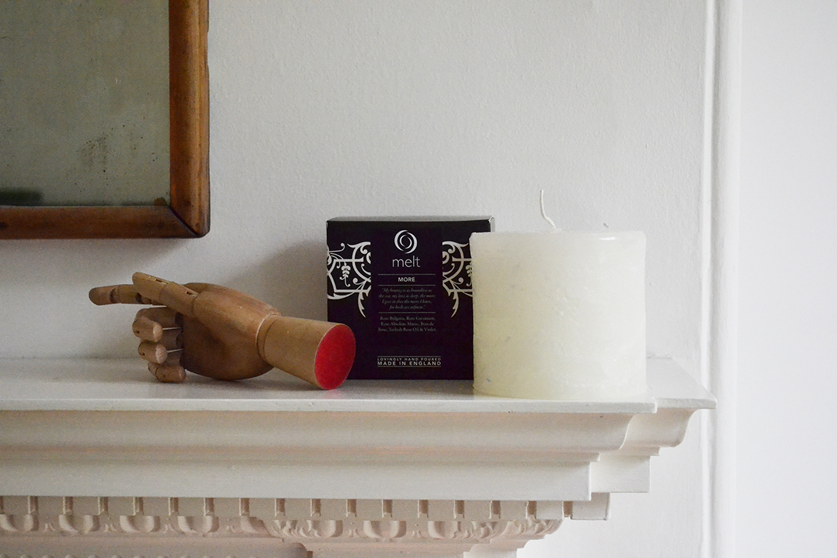 melt scented candle and box