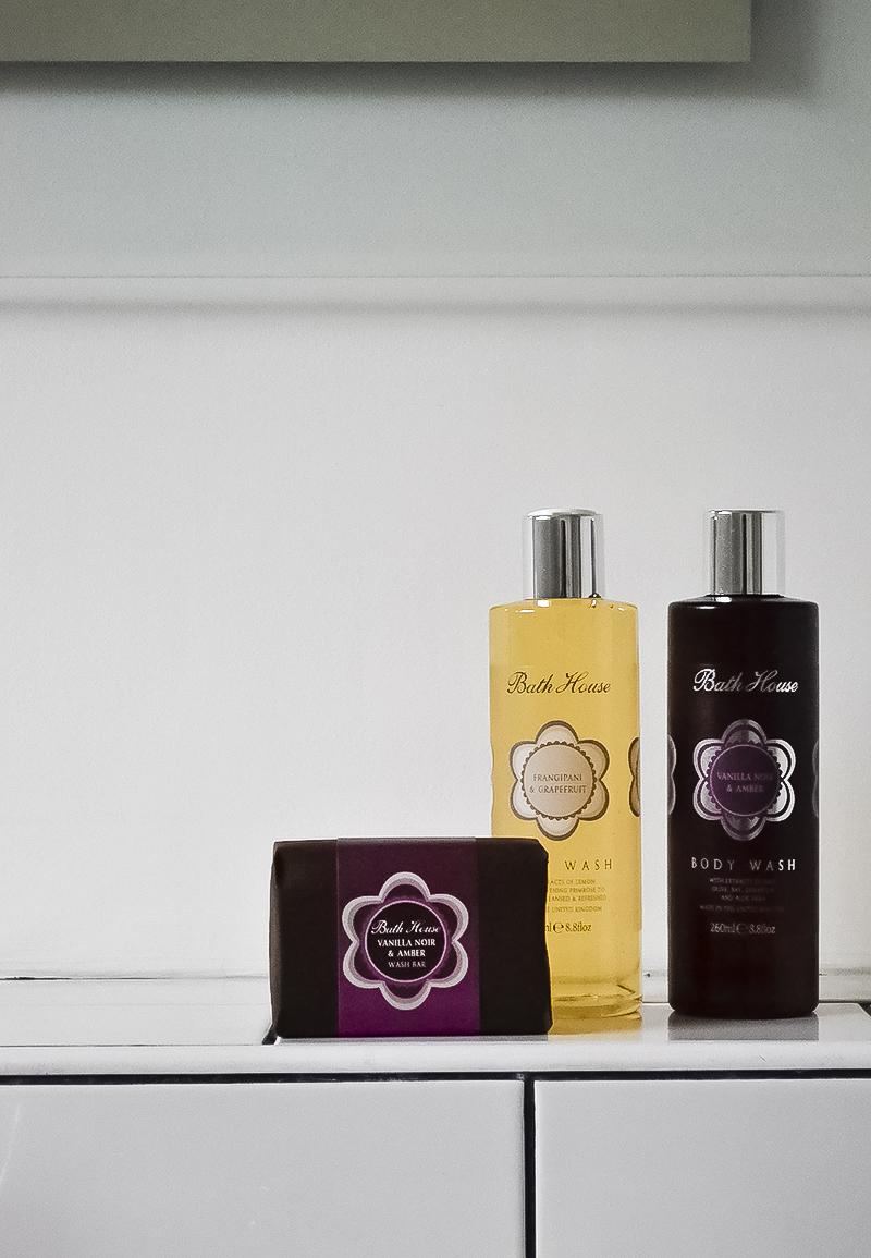 Bath House vanilla-noir-gift-set