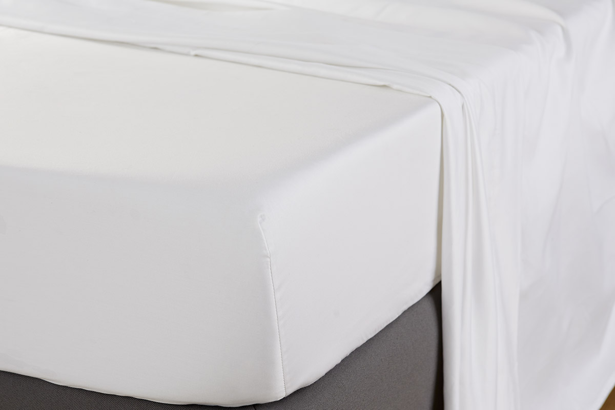 600tc-plain-white-bedding