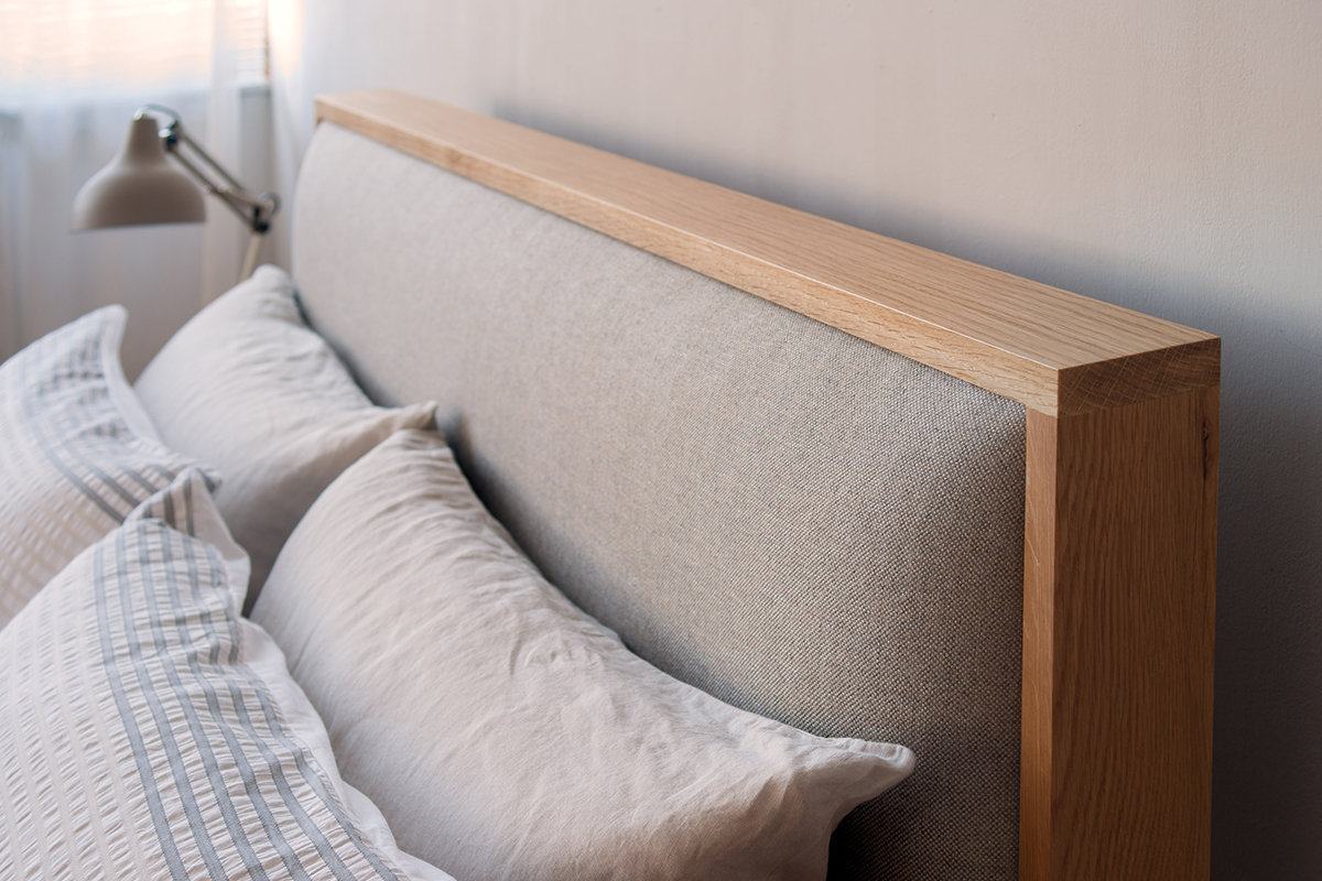 Shetland bed with padded headboard