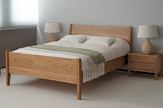 Zanskar - oak bed with footboard
