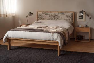 Shetland upholstered oak bed