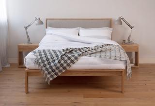 Shetland - modern oak bed