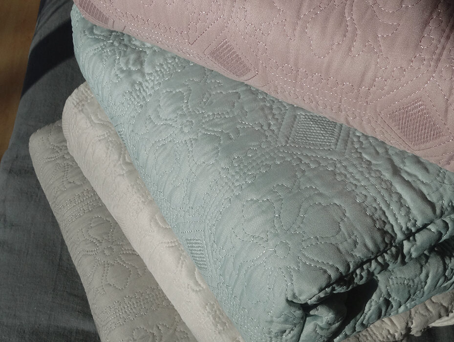 classic quilted bedspreads - 4 colours