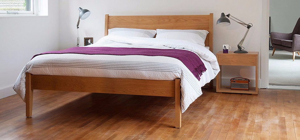 zanskar_solid_wooden_bed