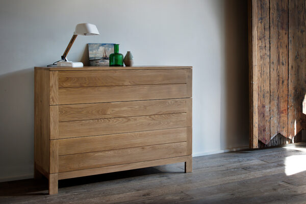 Ethnicraft Oak Azur chest of 3 drawers
