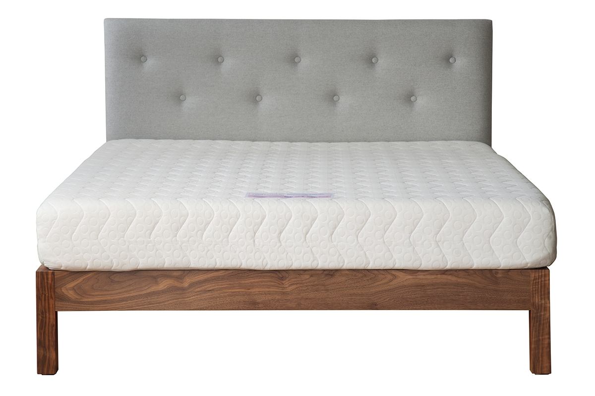 buttoned headboard bed