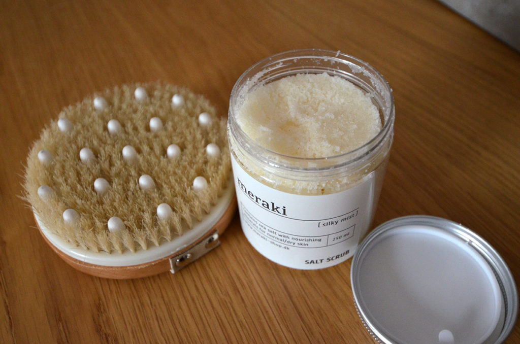 meraki salt scrub and detox brush