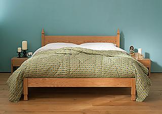 blog mandalay bed with summer bedding