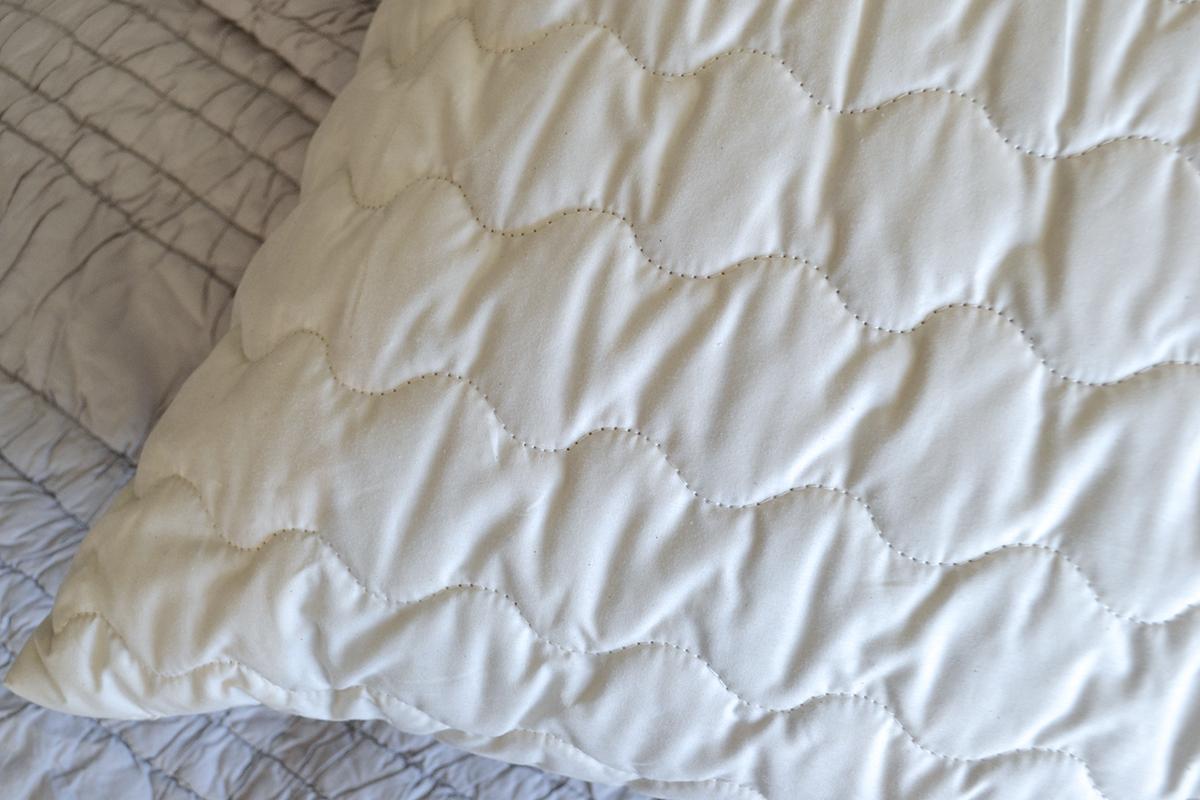 kapok pillow -detail