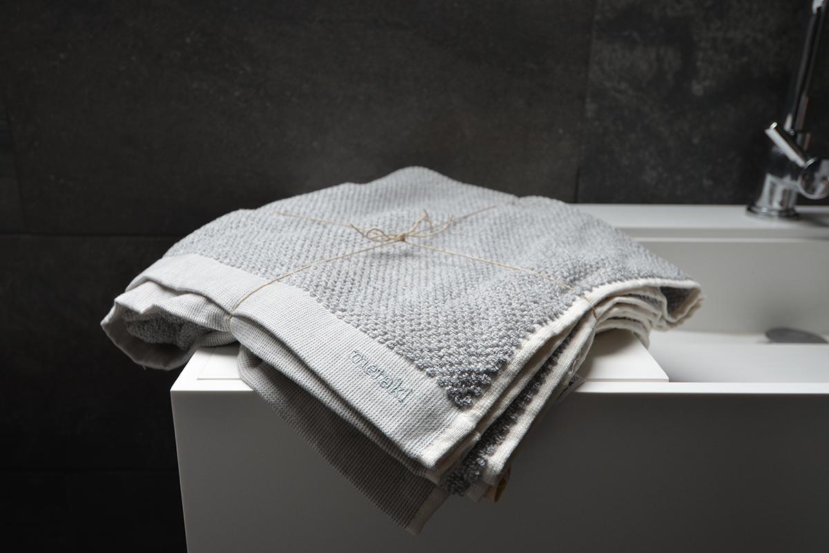 meraki-bath-towel