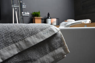 meraki-towel-detail-over-bath