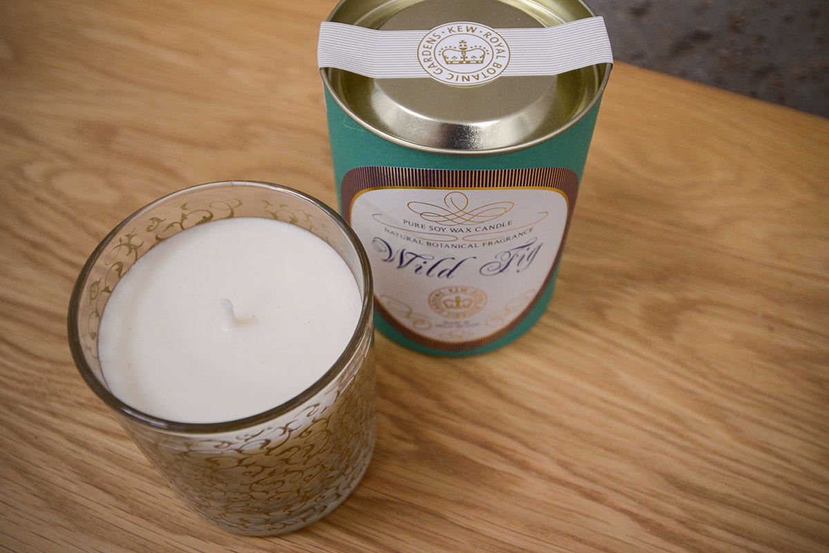 scented-candle-glass-jar-fig