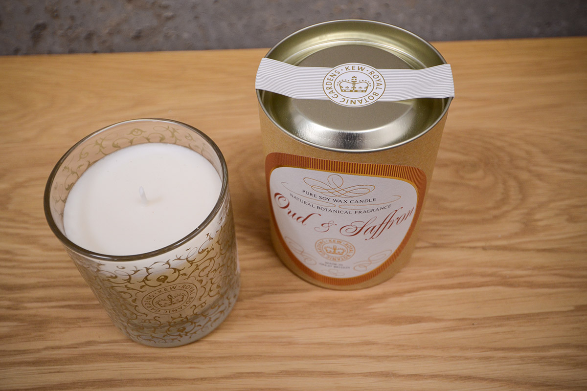 scented-candle-glass-jar-saffron and oud