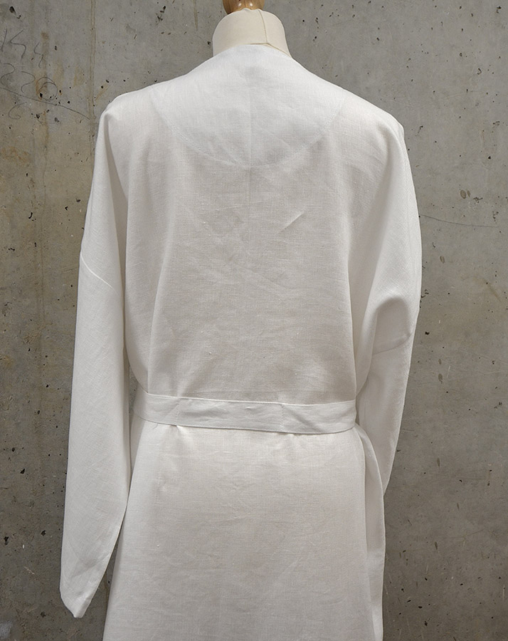 white-linen-kimono