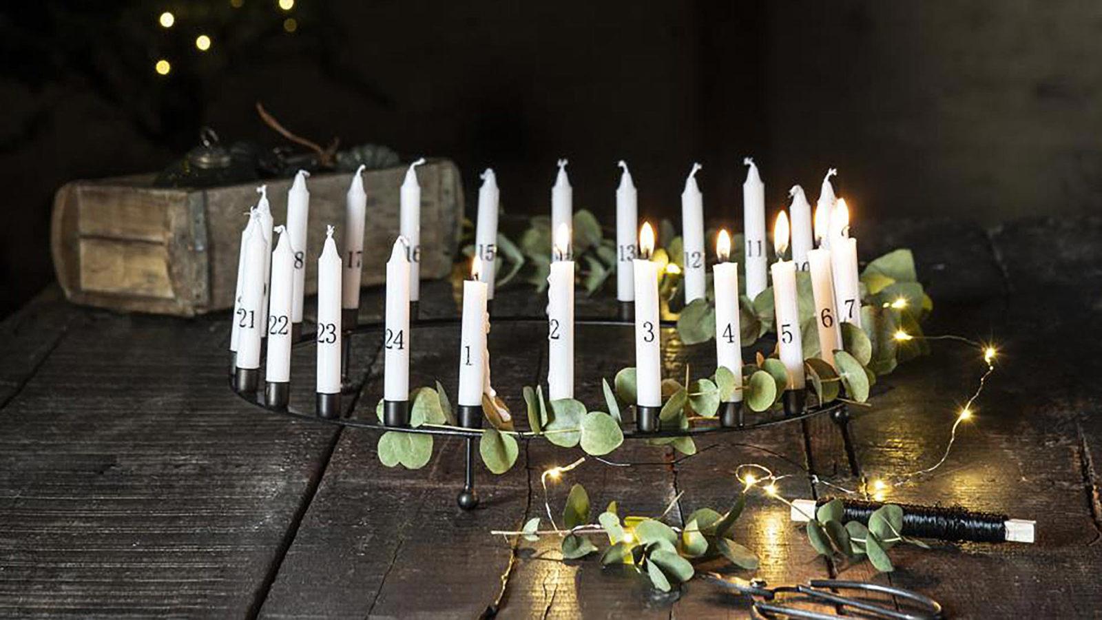 black candle holder centrpiece