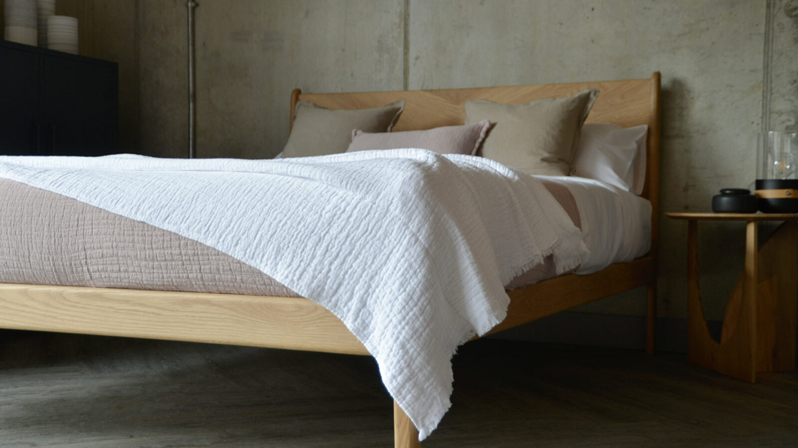 Pure cotton crinkled effect white throw