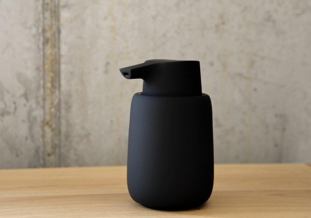 Soft touch liquid soap dispenser - Black