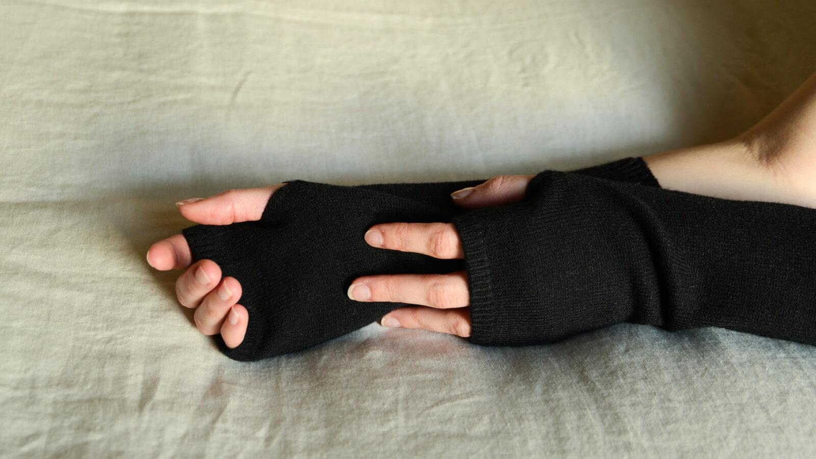soft knitted fingerless gloves in black