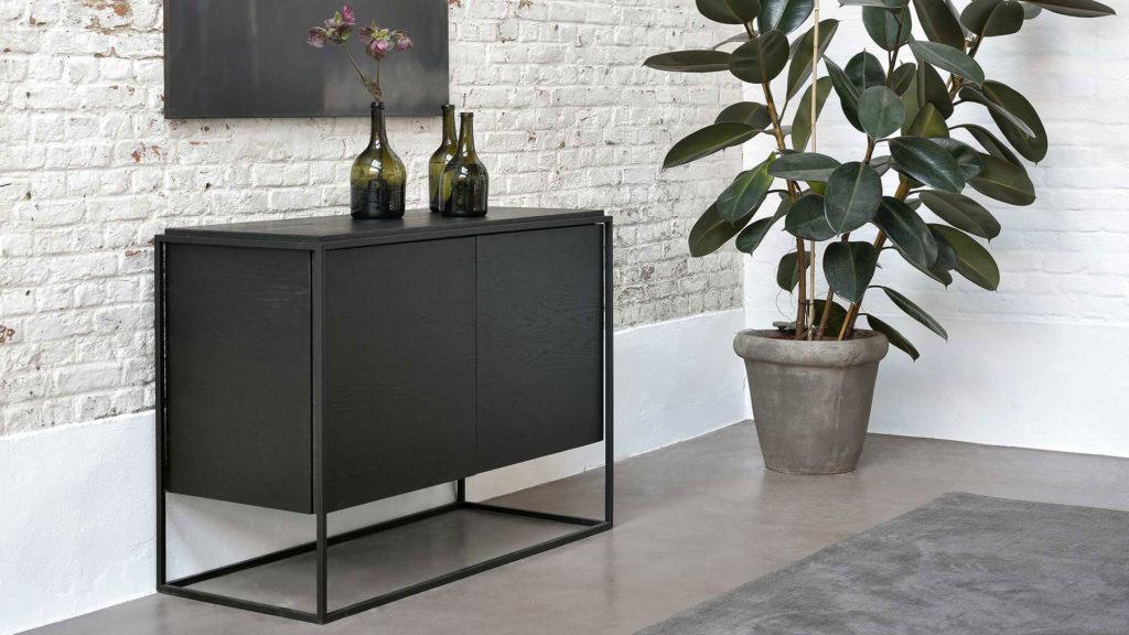 Black-Monolit-sideboard