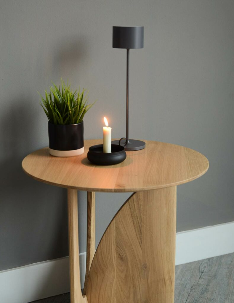 Portable Table light suitable for indoors and outside