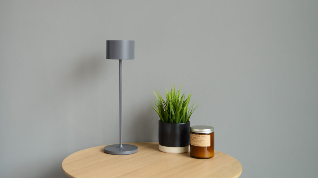 mobile LED table lamp with touch switch