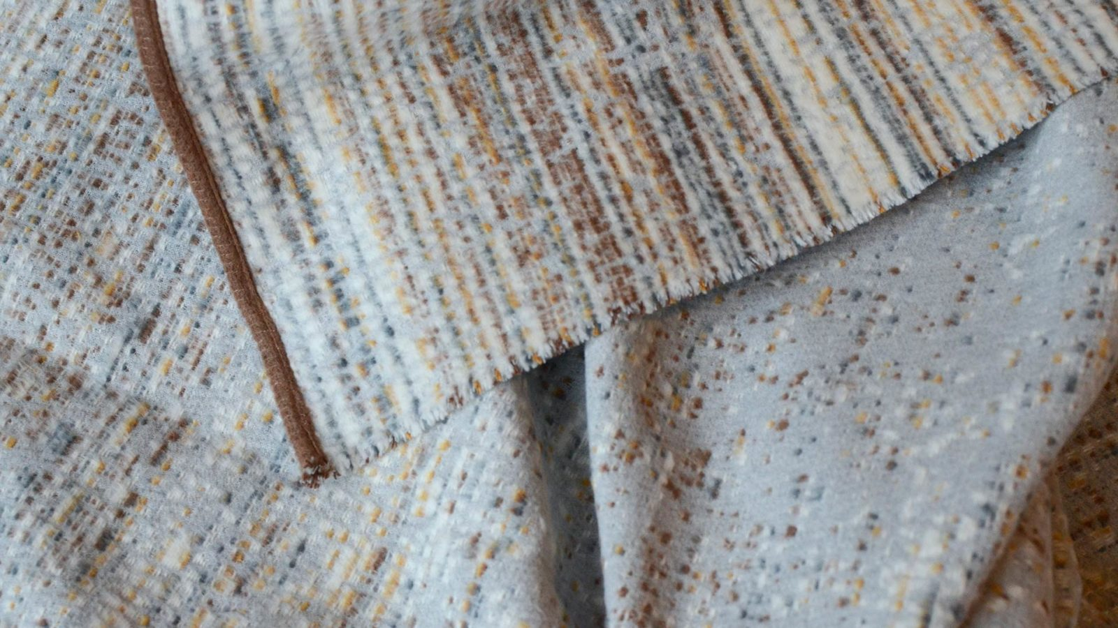 Boucle-soft-cotton-rich-throws-detail