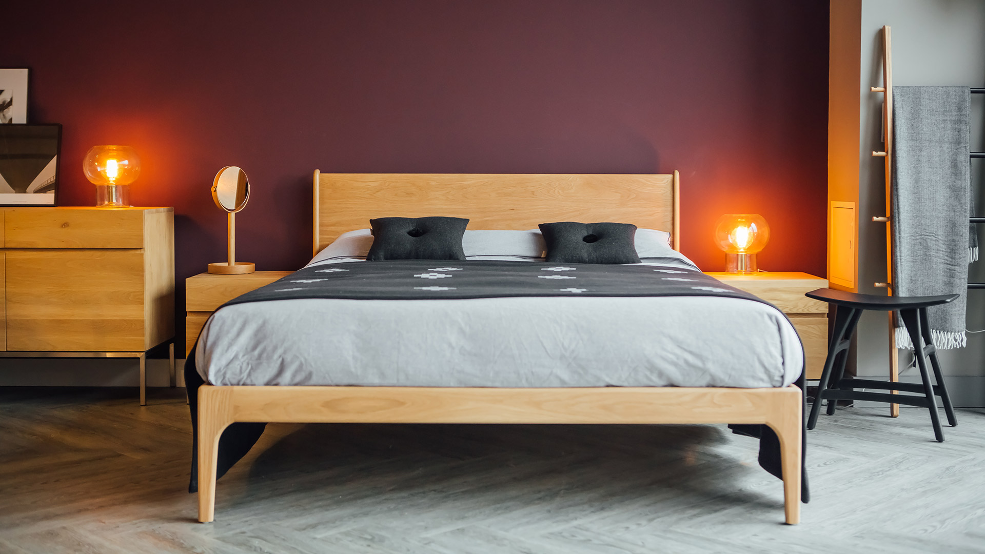 Camden bed in King size handmade in the UK