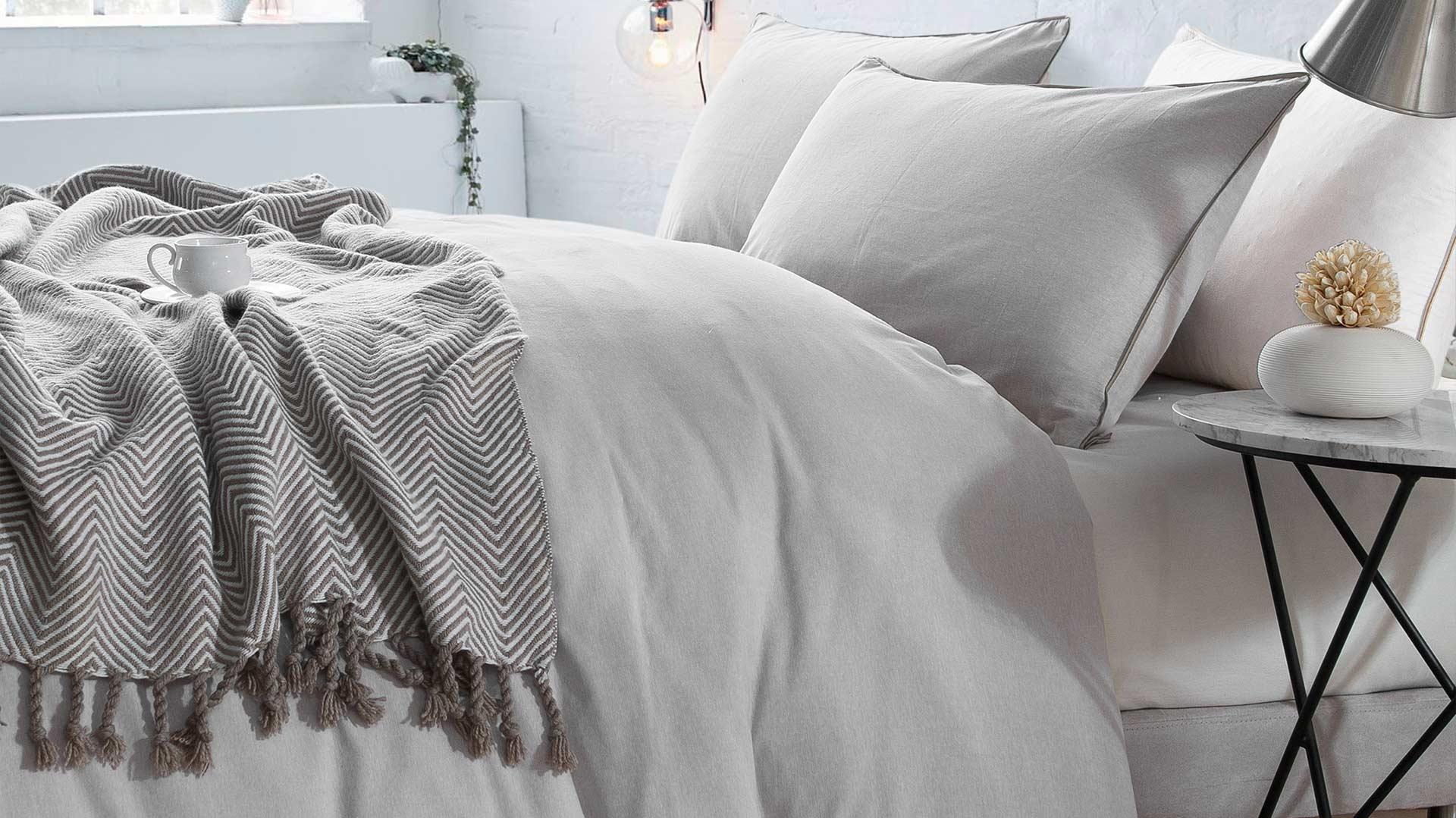 Chambray-bedding-Natural-plain