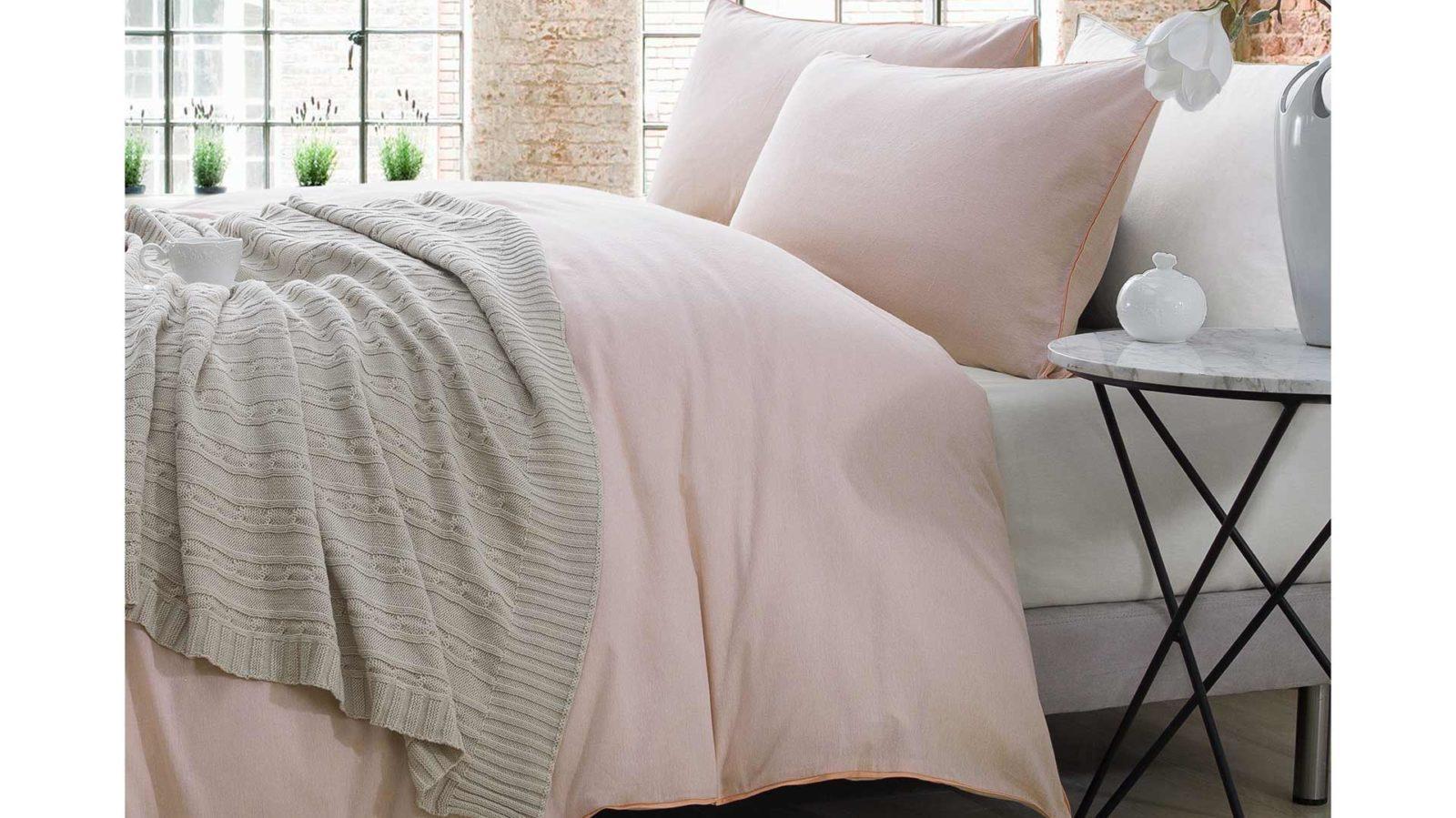 Chambray-bedding-Peach-plain-main-shot