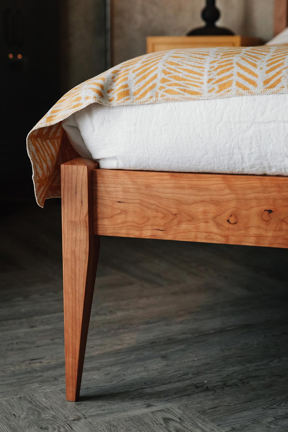 cochin bed leg