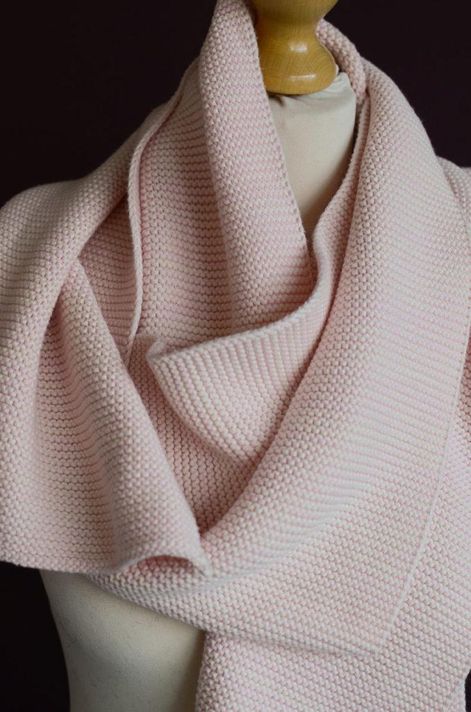 Cosy-cotton-scarf-pink-portrait