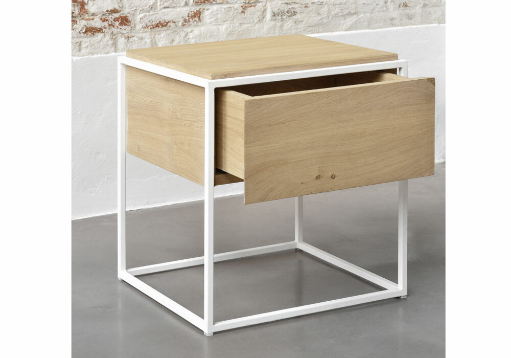 Ethnicraft-Monolit-bedside-table-Oak-lifestyle