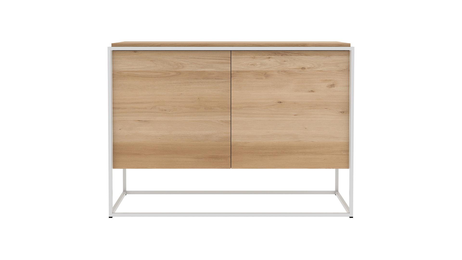 Ethnicraft-Monolit-cupboard-Oak-front-white-frame