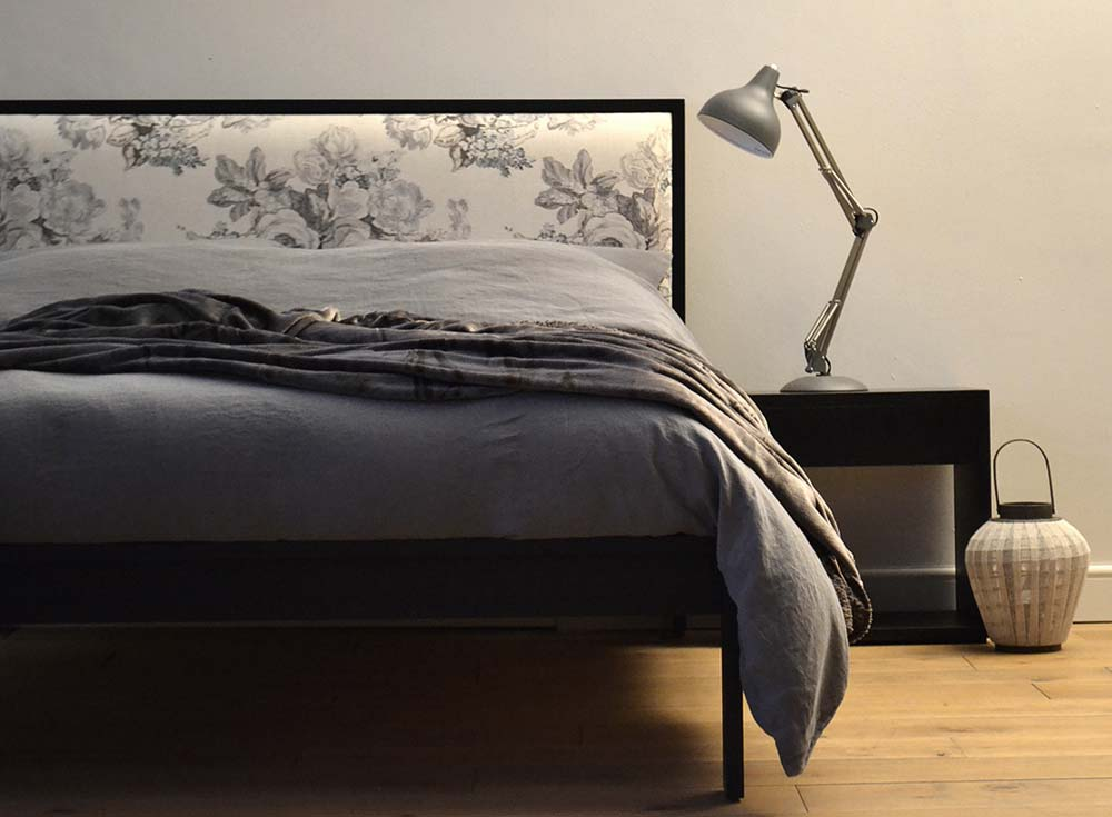 Black beds & Bedrooms